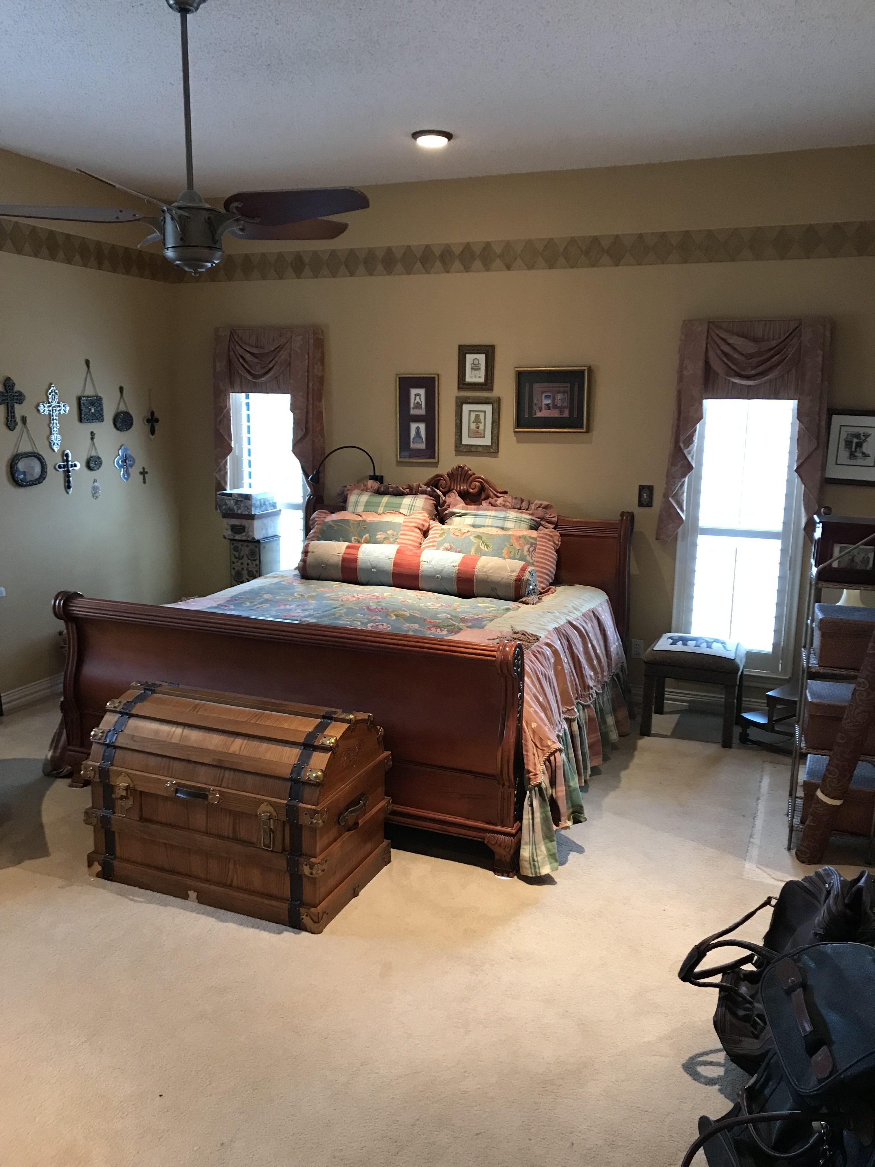Runaway Bay Estate Sale